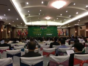会合にはSCPに取り組むアジア各国の専門家、政府関係者、国連機関等の代表300名規模が参加した。